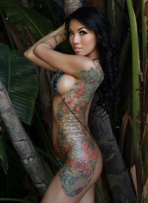 nude-females-with-tattoos